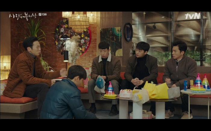 'Hạ cánh nơi anh' tập 13: Son Ye Jin chết vì đỡ đạn thay Hyun Bin, một cái kết bi thương? 1