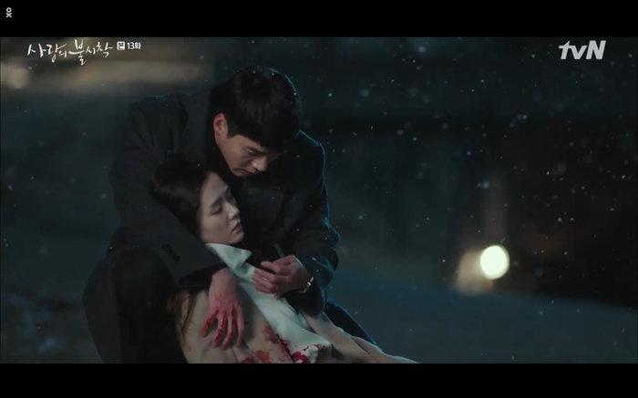 'Hạ cánh nơi anh' tập 13: Son Ye Jin chết vì đỡ đạn thay Hyun Bin, một cái kết bi thương? 43