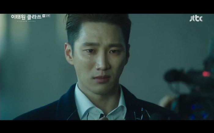 'Tầng lớp Itaewon' tập 10: Park Seo Joon khóc nức nở vì thua cuộc, Kim Da Mi bị đánh tơi tả 26
