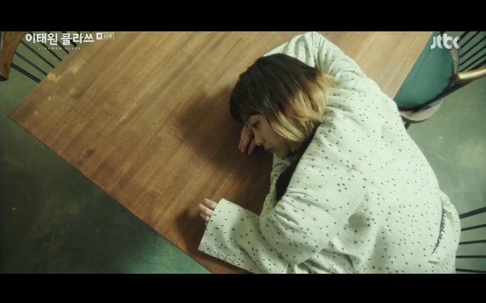'Tầng lớp Itaewon' tập 10: Park Seo Joon khóc nức nở vì thua cuộc, Kim Da Mi bị đánh tơi tả 30