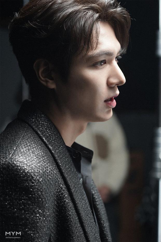 Góc nghiêng quá hoàn hảo của Lee Min Ho chính là vũ khí gây 'sát thương' cho trái tim người hâm mộ.