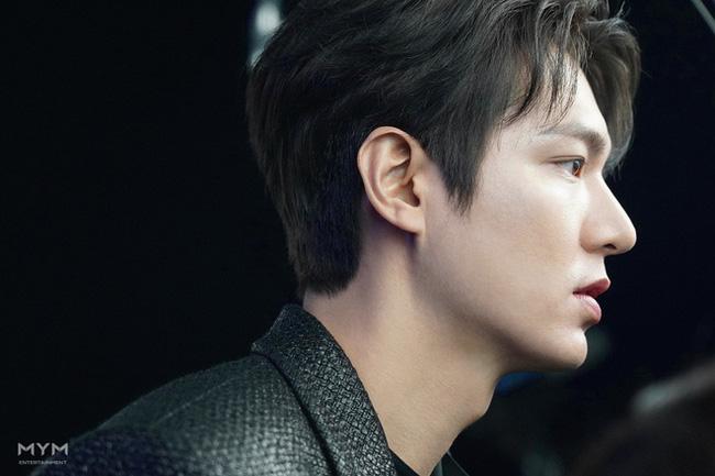 Lee Min Ho lại khiến hội fangirl châu Á điên đảo với góc nghiêng cực phẩm ở hậu trường phim mới 9
