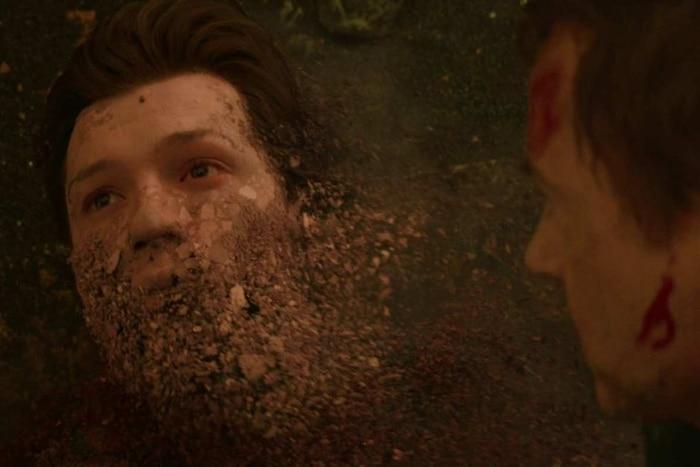 Spider-Man 'bay màu' trước mắt Iron Man là khoảnh khắc vô cùng xót xa.