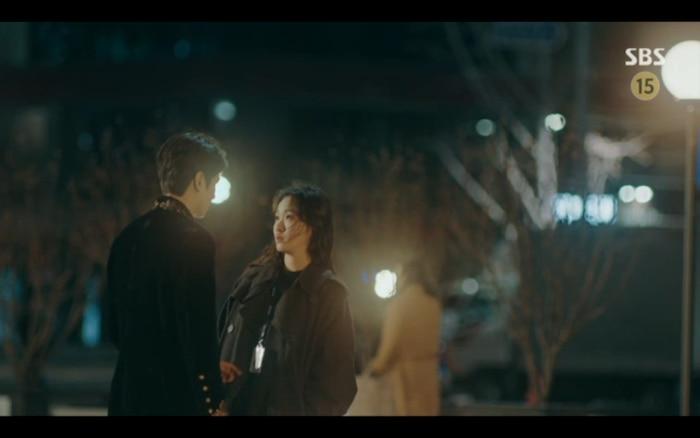 Jung Tae Eul bối rối trước Lee Gon.