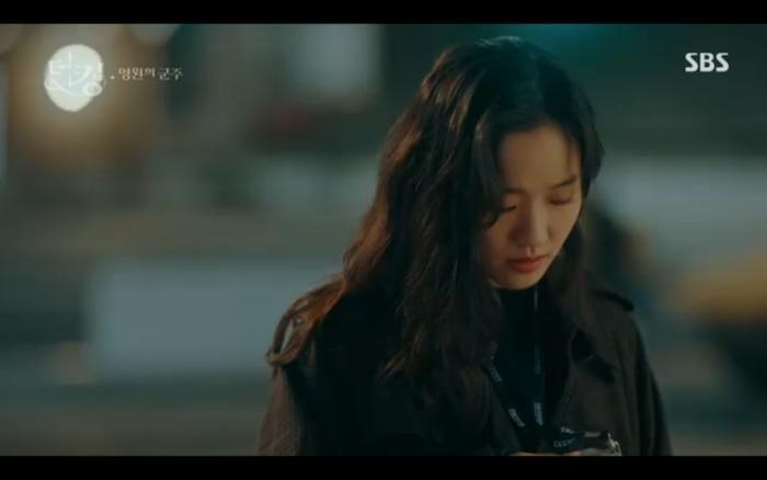 'Quân vương bất diệt' tập 2: Lee Min Ho cầu hôn Kim Go Eun và muốn lập hoàng hậu ngay lập tức? 3