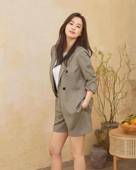 Bị chê tăng cân, Kim Tae Hee tung ngay những khoảnh khắc chứng minh nhan sắc ngày càng lên hương dù đã là 'mẹ hai con' 5