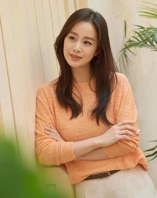 Bị chê tăng cân, Kim Tae Hee tung ngay những khoảnh khắc chứng minh nhan sắc ngày càng lên hương dù đã là 'mẹ hai con' 8
