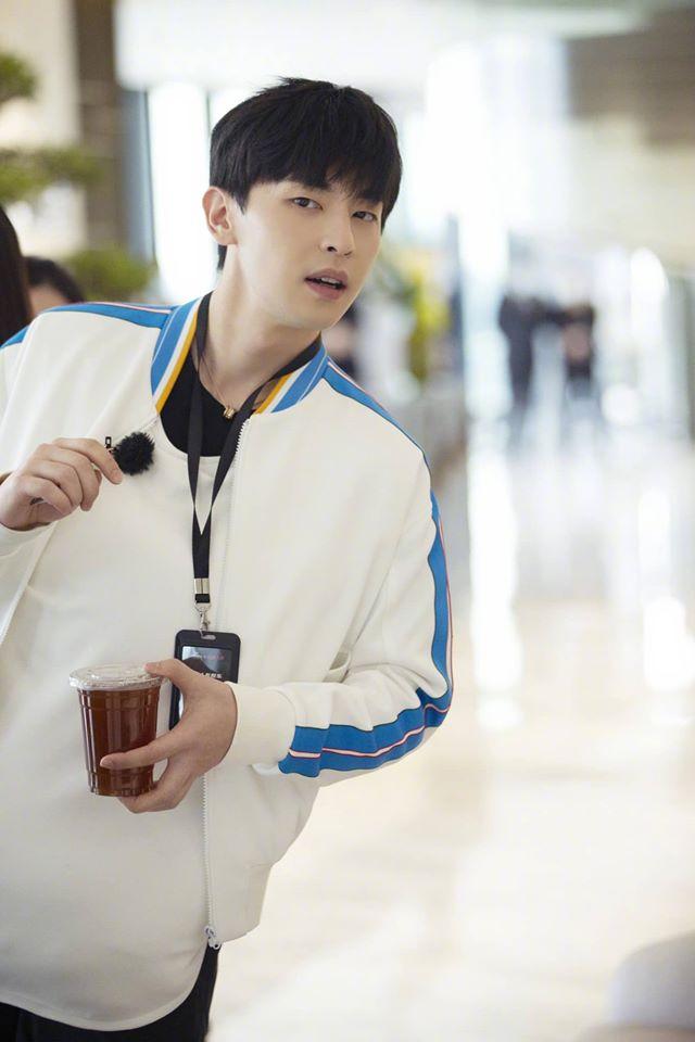 'Âm Dương Sư': Đặng Luân mặc sơ sài, 'hở hang' đóng phim với Triệu Hựu Đình, còn ai nhận ra mỹ nam vạn người mê? 5
