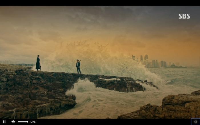 Quân vương bất diệt tập 4: Kim Go Eun 'sốc tận óc' vì nhảy sang thế giới song song của Lee Min Ho? 3