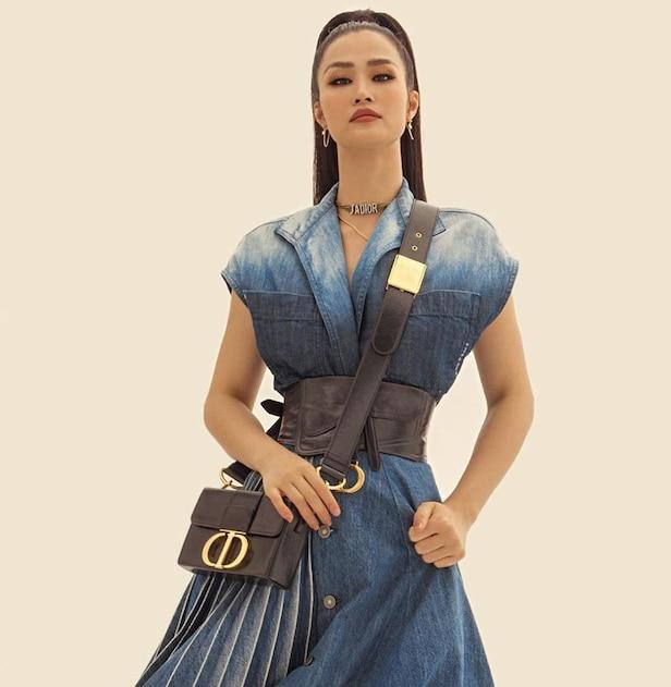 Thời trang bầu bí của Đông Nhi phủ đầy hàng hiệu, từ đầu đến chân không thiếu thứ gì 9