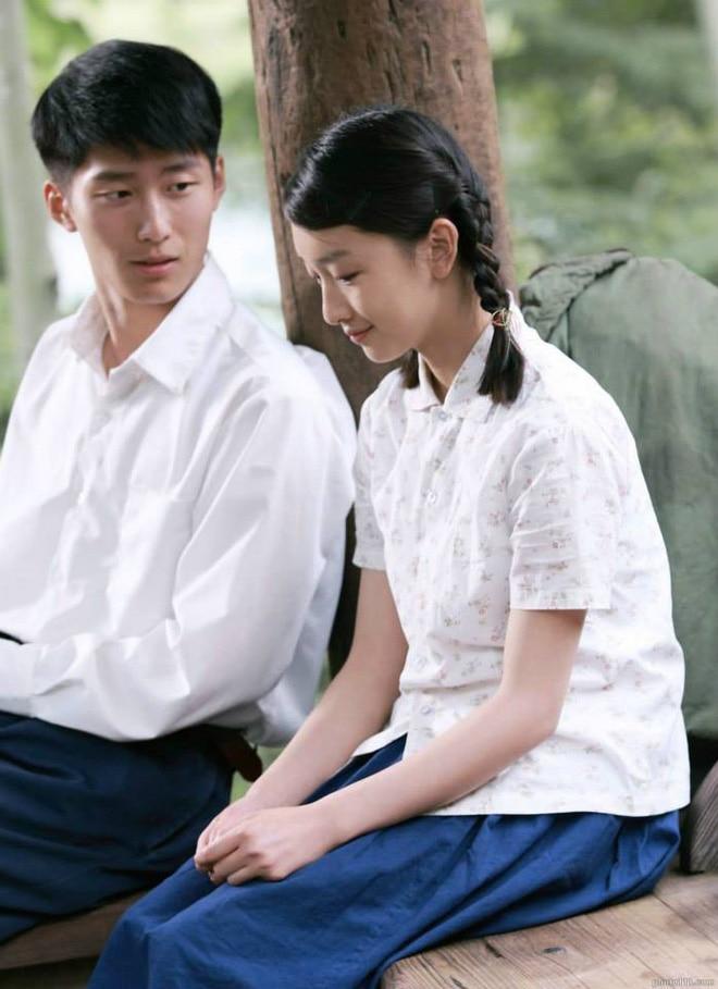 'Song Kim Ảnh hậu' Châu Đông Vũ tự hạ thấp giá trị bằng cách đóng phim chiếu mạng khiến dư luận chê cười 4