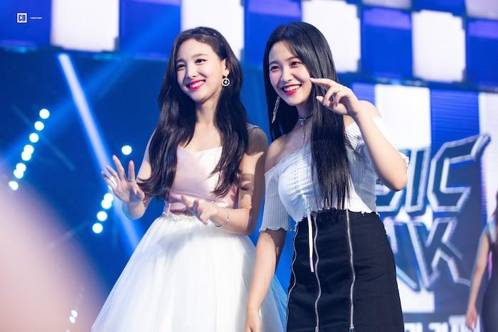 Nữ nghệ sĩ sẽ là khách mời đầu tiên trong show thực tế của Yeri (Red Velvet) chính là cô nàng Nayeon của Twice.