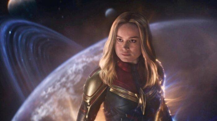 Captain Marvel có thể bay lượn ngoài không gian mà không cần đồ hỗ trợ.
