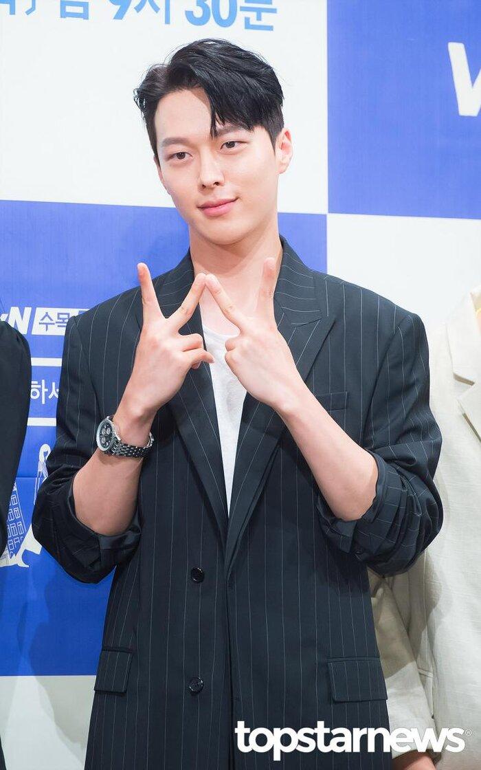 Ji Sung, Sehun (EXO), L (Infinite), Jang Ki Yong và Woo Do Hwan đóng phim mới: Ai được mong chờ nhất? 12