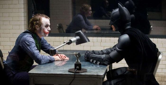 Loạt diễn viên được fans DC gửi gắm cho vai diễn Joker, choáng nhất vẫn là giả thuyết Robert Pattinson phân thân sắm một lúc hai vai 1