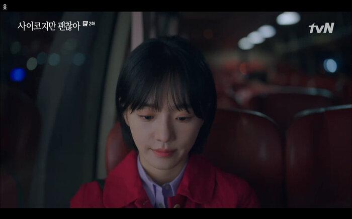 'It's Okay to Not Be Okay' tập 2: 'Điên nữ' Seo Ye Ji vô tư đánh người để bảo vệ 'crush' Kim Soo Hyun 7