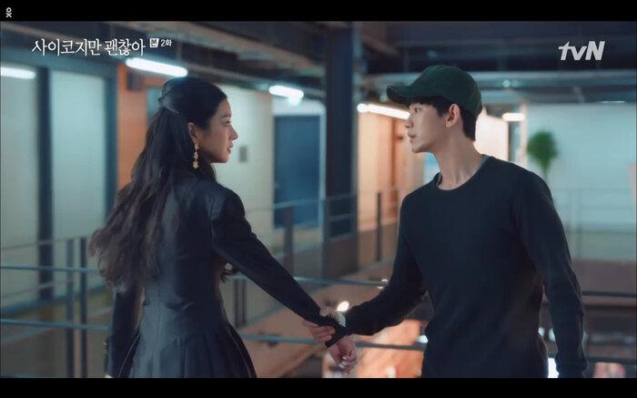 Kang Tae cũng không ngăn nổi cô.