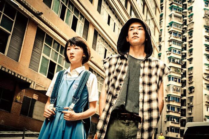 Tạo hình của Dịch Dương Thiên Tỉ trong phim mới và 'Em của thời niên thiếu' có giống nhau hay không? 13