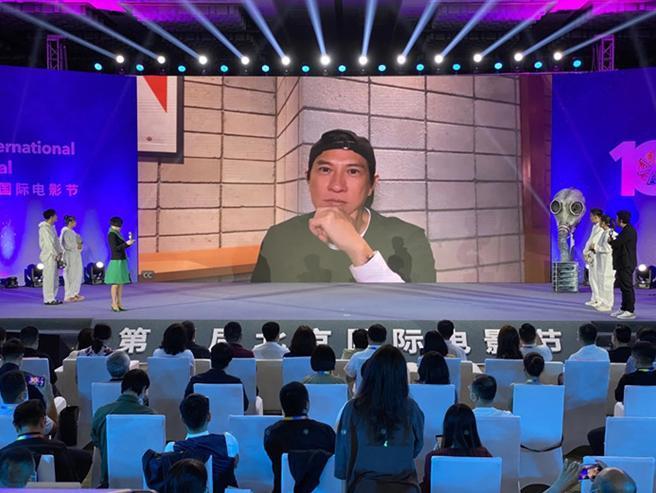 Vương Tuấn Khải xác nhận tham gia phim '731', vì vai diễn mới mà giảm 10 ký trong thời gian ngắn 5