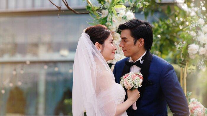 Khán giả mãn nhãn với những hình ảnh cực tình tứ của Nhan Phúc Vinh và Diễm My trong đám cưới