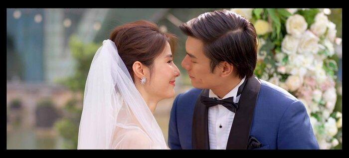 Nhìn lại 3 nụ hôn cực phẩm của Minh và Linh trong 'Tình yêu và tham vọng': Ai chủ động không quan trọng, quan trọng là 'xuất sắc' 0