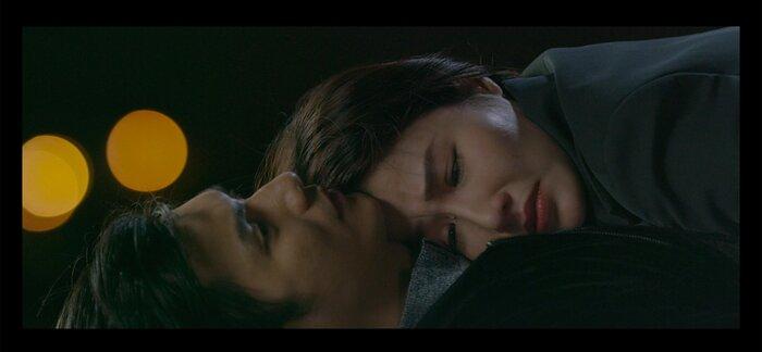 Khi hai trái tim hòa chung nhịp đập, không chỉ Linh mà Minh cũng rất đau khổ