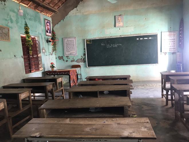 Những ngày đến trường thực sự là những ngày lo lắng của giáo viên và học sinh nơi đây.