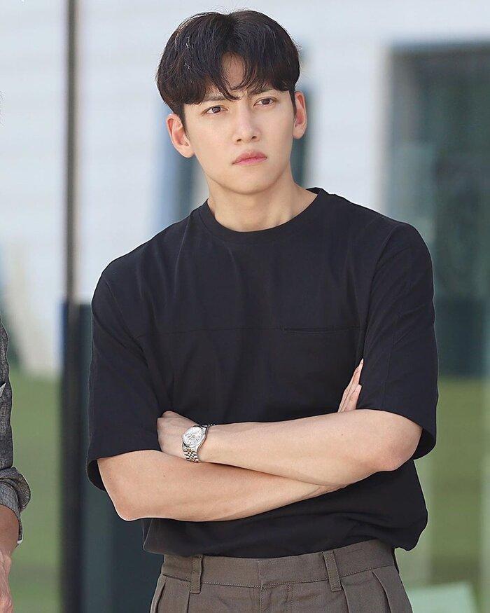 Ji Chang Wook và Kim Ji Won tham gia phim lãng mạn mới của đạo diễn 'Điên thì có sao' 4