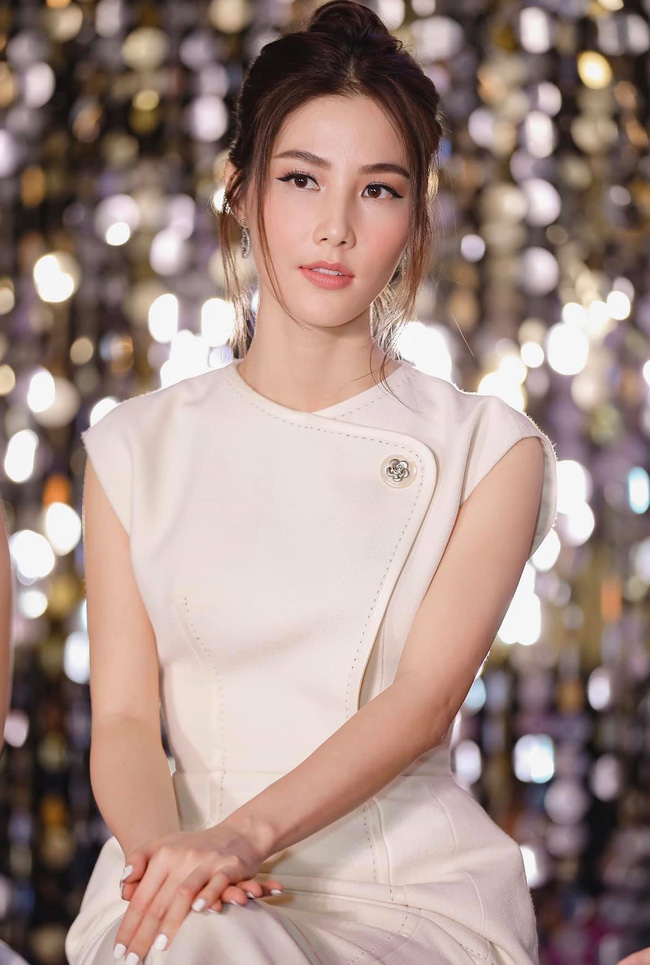 Diễm My 9x được khen hết lời vì cử chỉ đẹp với nhân viên đoàn phim 'Tình yêu và tham vọng', hành động tưởng chỉ phổ biến với sao Hoa, Hàn 3