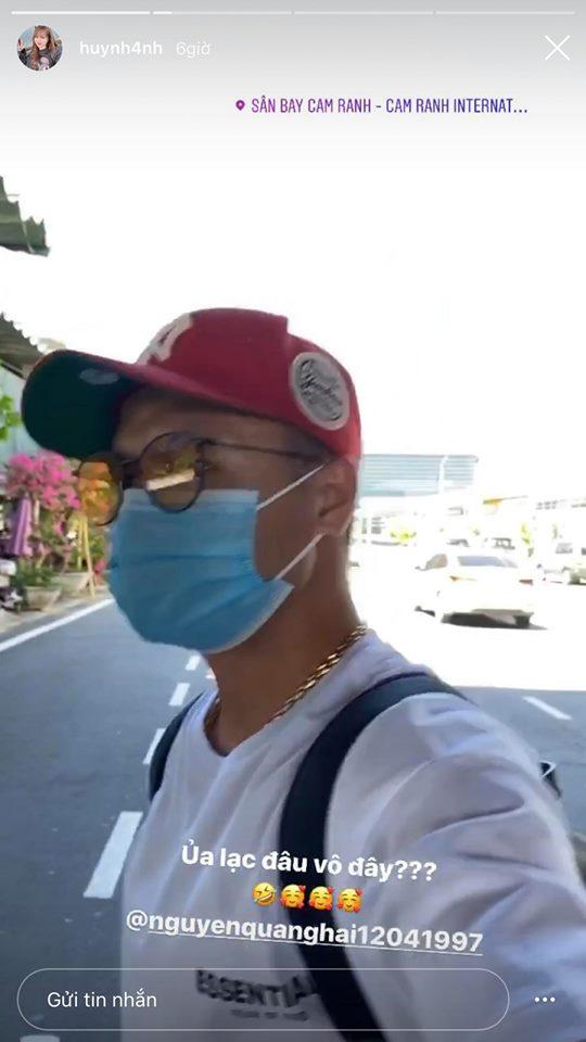 Quang Hải được cô bạn gái 'bắt sống' ngay tại 'địa bàn' khi lần đầu vào thăm gia đình Huỳnh Anh.