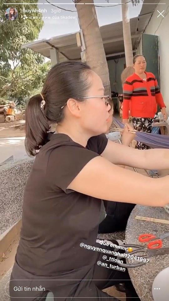 Vừa giành chức vô địch Cúp Quốc gia, Quang Hải tức tốc vào tận Nha Trang dùng cơm với 'mẹ tương lai' 1