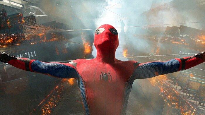 Tại sao Spider-Man ban đầu từ chối lời mời tham gia Avengers? 0