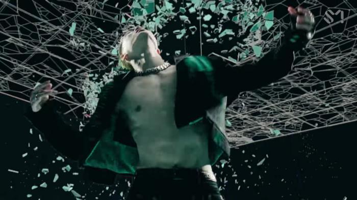 SuperM 'thả xích' MV One: Cấu trúc bài lấy ý tưởng từ hit 8 năm trước của SHINee, vũ đạo mang ý nghĩa đặc biệt lần đầu được tiết lộ 6