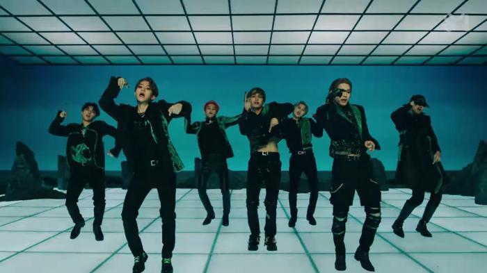SuperM 'thả xích' MV One: Cấu trúc bài lấy ý tưởng từ hit 8 năm trước của SHINee, vũ đạo mang ý nghĩa đặc biệt lần đầu được tiết lộ 10
