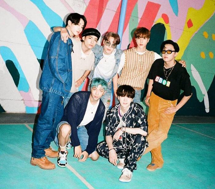 BTS đang úp mở về việc comebacl vào tháng 10.