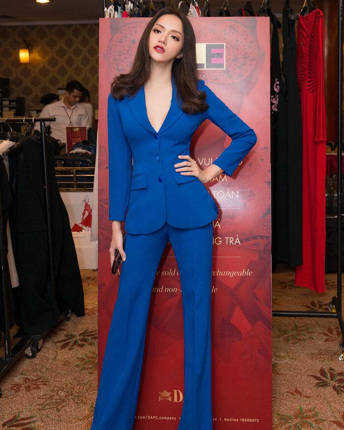Những bộ vest gợi cảm theo cấp số nhân của Hương Giang, đẳng cấp hoa hậu số 1 Vbiz! 4
