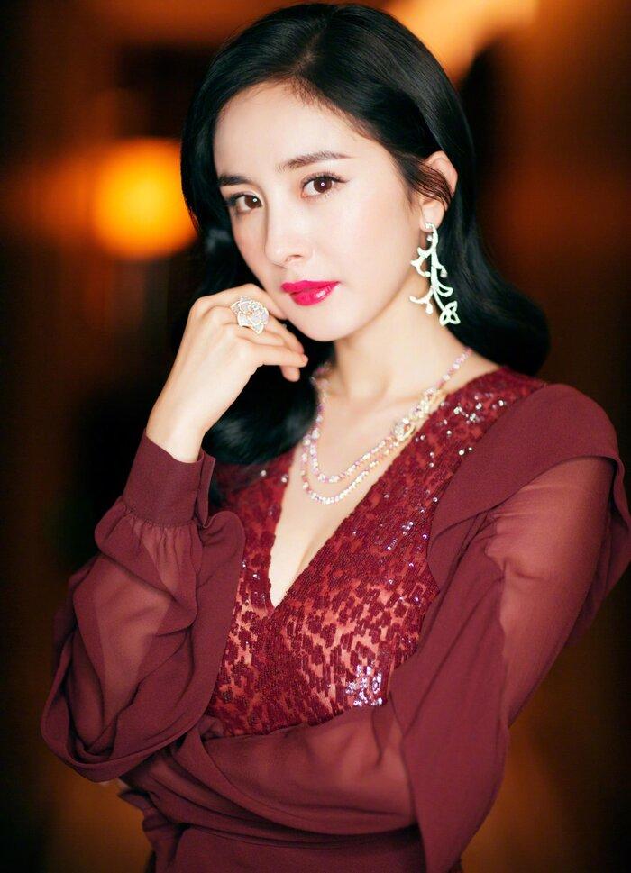 Dù nổi tiếng như vậy nhưng Dương Mịch lại không có cơ hội trở thành Nữ thần Kim Ưng.