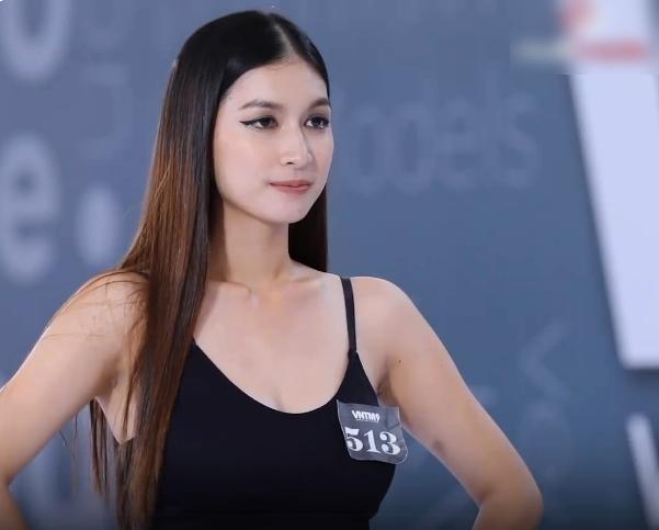 Vietnam's Next Top Model: Thí sinh bụng mỡ, đùi to vẫn được chọn vì mặt quá đẹp! 0