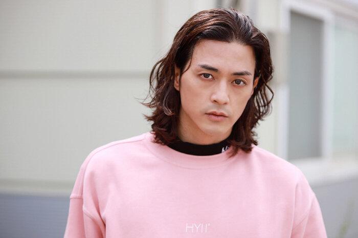 Diễn một màu suốt 18 năm, Kim Ji Hoon được công nhận nhờ vai sát nhân điên 'Hoa của quỷ' 8