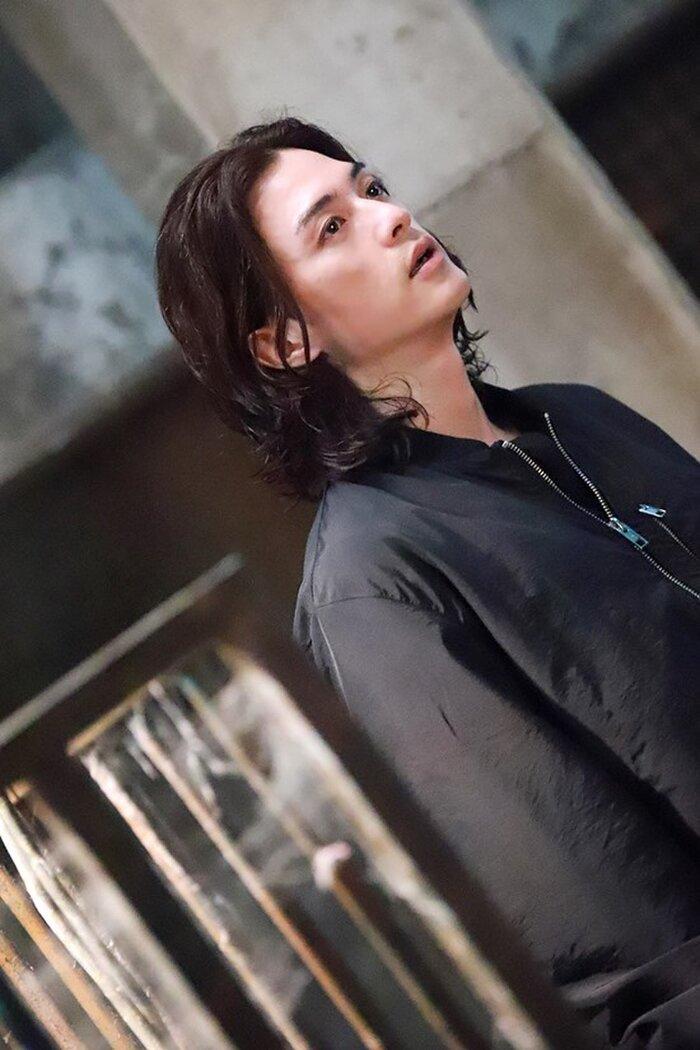 Diễn một màu suốt 18 năm, Kim Ji Hoon được công nhận nhờ vai sát nhân điên 'Hoa của quỷ' 6