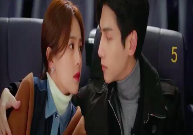 'Nửa là đường mật nửa là đau thương': La Vân Hi - Bạch Lộc ôm ấp ở rạp chiếu phim, đáng chú ý là đôi môi của nữ chính 4
