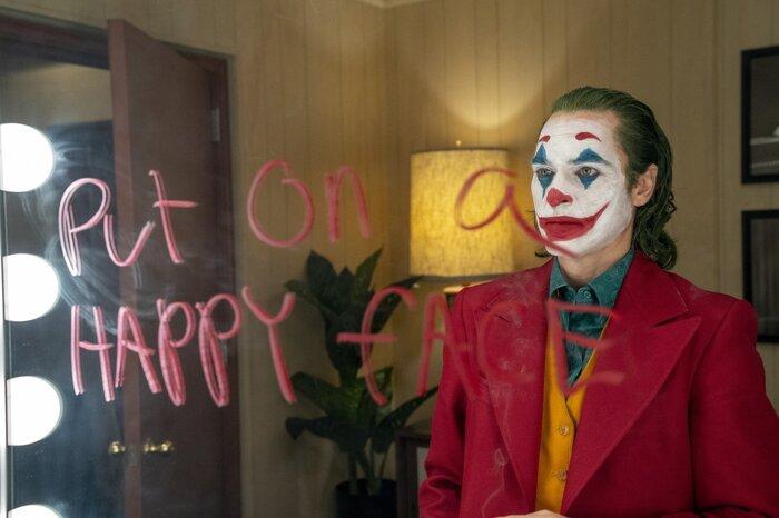Anne Hathaway khoe thần thái xuất thần trong vai trò Joker 0