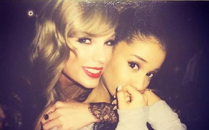 Bất ngờ thay, Taylor và Ariana đều trắng tay tại lễ trao giải BBMAs năm nay.