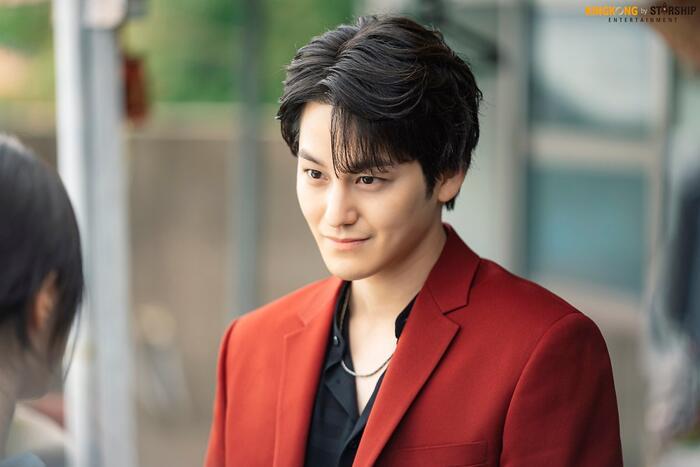 101 khoảnh khắc khó cưỡng trước Kim Bum trong 'Bạn trai tôi là hồ ly': Áo đỏ chứng tỏ chồng em! 0