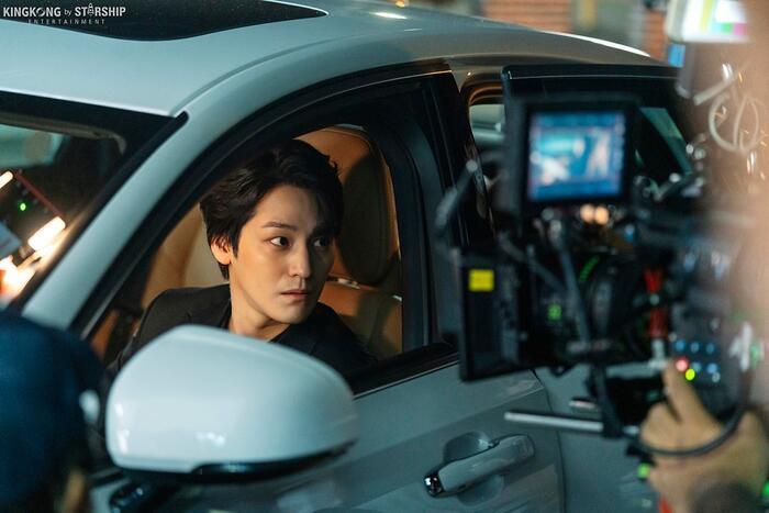 101 khoảnh khắc khó cưỡng trước Kim Bum trong 'Bạn trai tôi là hồ ly': Áo đỏ chứng tỏ chồng em! 9