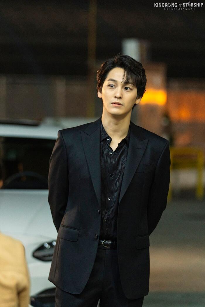101 khoảnh khắc khó cưỡng trước Kim Bum trong 'Bạn trai tôi là hồ ly': Áo đỏ chứng tỏ chồng em! 15