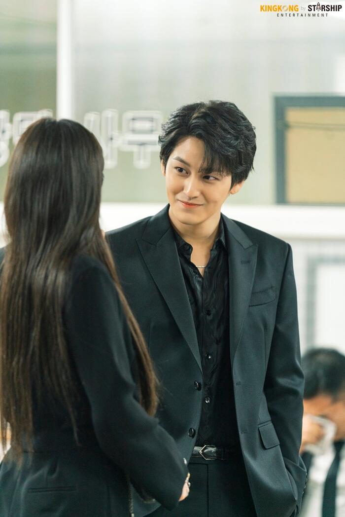 101 khoảnh khắc khó cưỡng trước Kim Bum trong 'Bạn trai tôi là hồ ly': Áo đỏ chứng tỏ chồng em! 17
