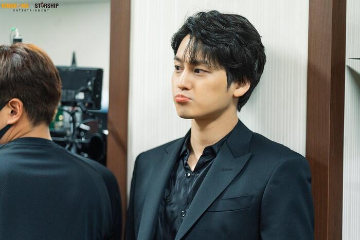 101 khoảnh khắc khó cưỡng trước Kim Bum trong 'Bạn trai tôi là hồ ly': Áo đỏ chứng tỏ chồng em! 23