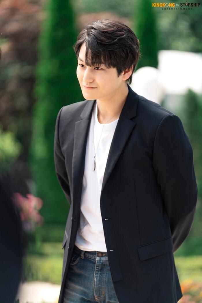 101 khoảnh khắc khó cưỡng trước Kim Bum trong 'Bạn trai tôi là hồ ly': Áo đỏ chứng tỏ chồng em! 29
