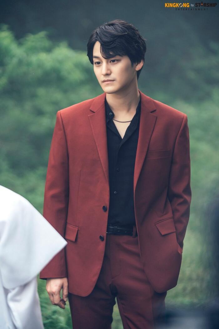 101 khoảnh khắc khó cưỡng trước Kim Bum trong 'Bạn trai tôi là hồ ly': Áo đỏ chứng tỏ chồng em! 39